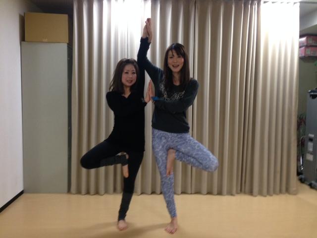 naomi先生のヨガレッスンを受け、身体がイキイキとなり、心もスッキリしたのが受講の決め手です!