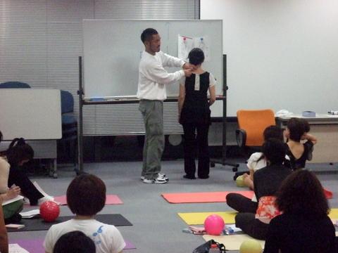 1/31 沖縄より照喜名先生を迎えて『骨格・内臓美人になる講座』☆
