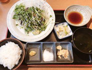 カツオ定食(外食はお魚メインに!)
