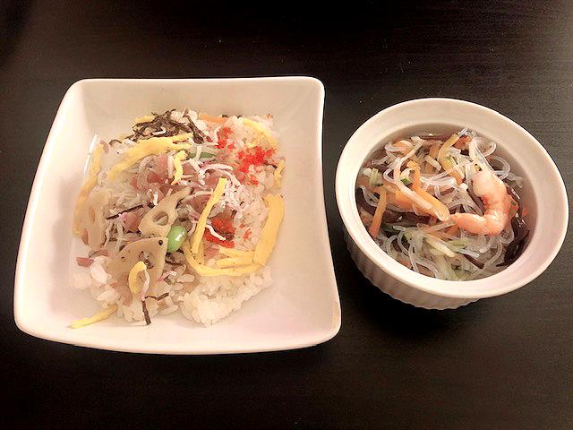 チラシ寿司と春雨の酢のもの(購入品)